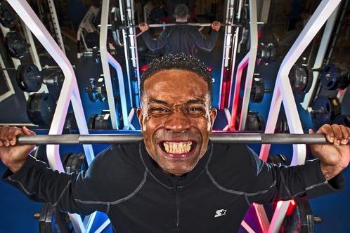 #292 できるだけ重い重量を挙げるためのフォーム vs. できるだけ健康的に効率よくトレーニング効果を上げるためのフォーム