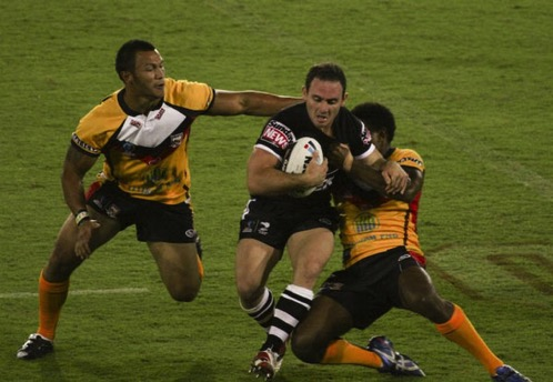 Lance hohaia running into the defence rugby league