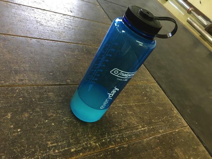 #424 ウエイトトレーニング中の水分・栄養補給ドリンク用にNALGENEカラーボトル広口1.5Lを買いました