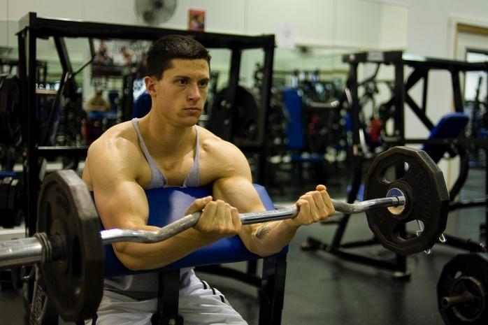 #432 【論文レビュー】「筋肥大期」的なセッションは、「最大筋力期」的なセッションと比べると、直後のパフォーマンス低下が大きく回復にも時間がかかる