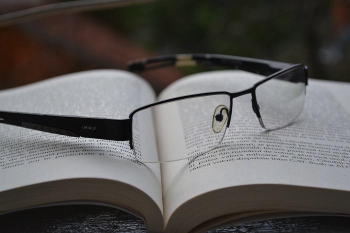 Glasses 850195 1280