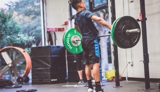 #555 ウエイトリフティング関連エクササイズでキャッチまで実施することで、体幹部(脊柱+骨盤)の剛性を一気に高める能力を鍛えることができる?